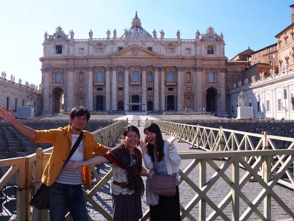 バチカン市国・サンピエトロ大聖堂にて