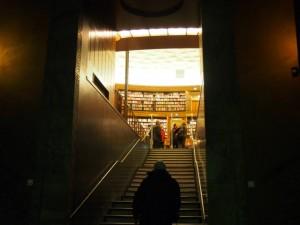 ストックホルム市立図書館の階段