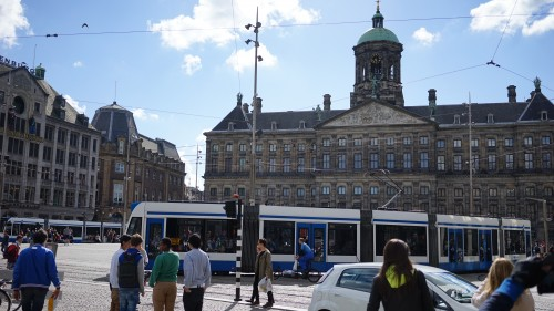アムステルダムの都市部・ダム広場