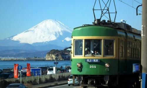 鎌倉江ノ電の富士山と一緒の写真
