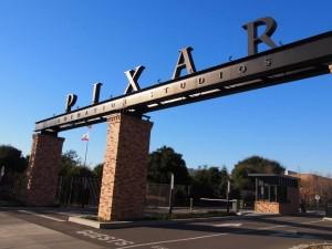 PIXAR(ピクサー)本社のロゴの看板