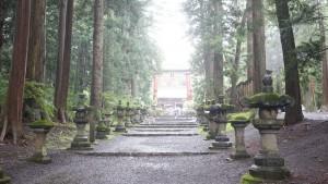 『北口本宮冨士浅間神社』の参道