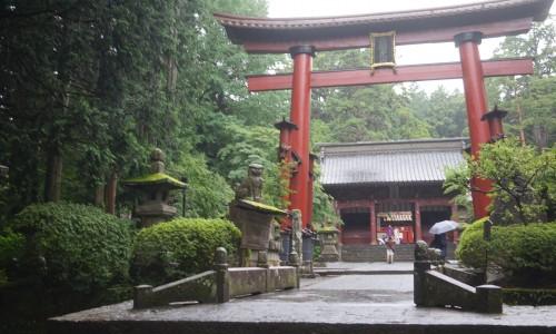 『北口本宮冨士浅間神社』の中鳥居