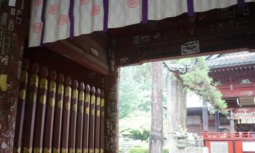 『北口本宮冨士浅間神社』の正門