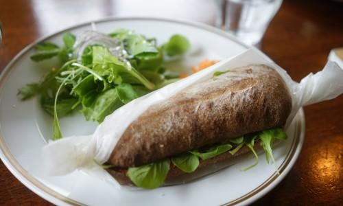 グリル野菜のビーガンマリネサンド