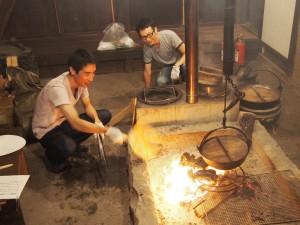 古民家『甲州民家情報館』で囲炉裏で火起こし