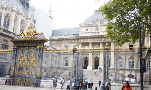 パリの最高裁判所パレ・ド・ジュスティス