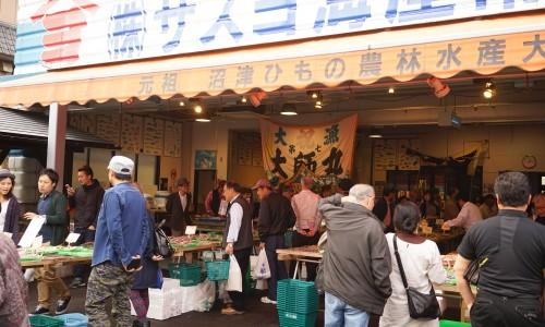 沼津魚市場のお土産屋さん