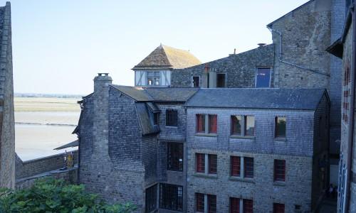 モンサンミッシェルの外壁や家