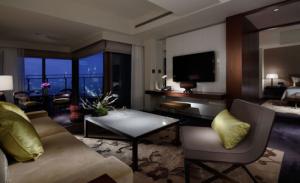 パレスホテル東京 スイートルーム