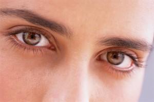 あげちん男性は、目のバランスと黒目の輝きが多い