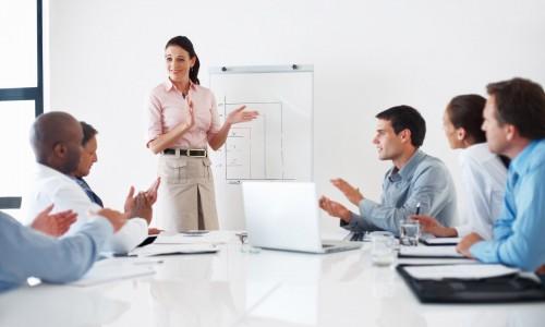 チームへのプレゼンも、生きた着いた「答え」よりも思考プロセスに重点を置いて発表してもらう