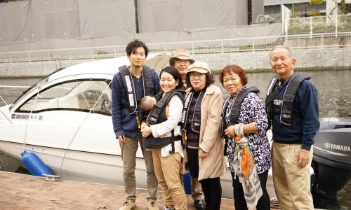 家族で隅田川花見クルージングレンタルボード