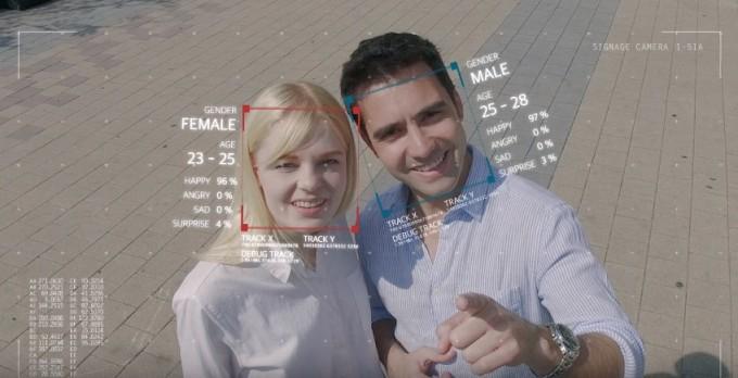 Wellsystem性別と年齢を画像認識