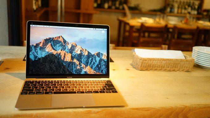 やっぱり軽いMacBook