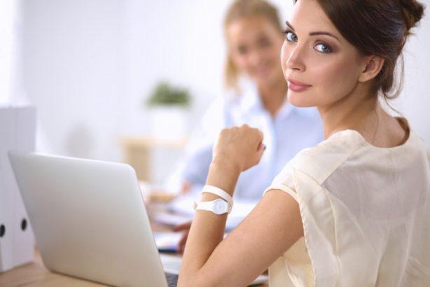 自己肯定感が低い女性の4つの行動パターン