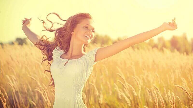 女性を悩ませる問題への万能薬かつ特効薬は「自己肯定感」を高めること