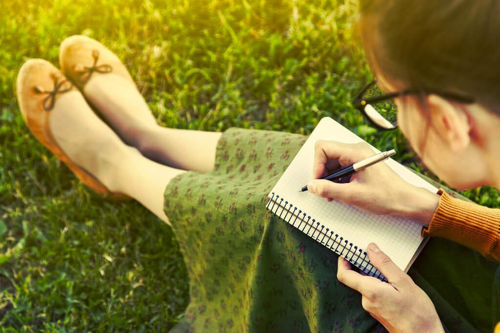 感情をマネジメントする第一歩は、感情を「書く」こと!書くことで自分の「矛盾」に気づく