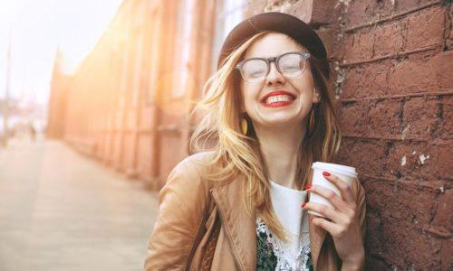 男性は察することができない。だからこそ、「感情表現が豊かな女性」が男性を幸せにする
