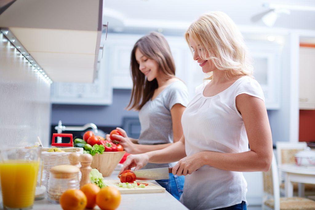 長女が自己肯定感を高める方法!母親との関係や姉妹の心配などの「他人軸」から「自分軸」へ