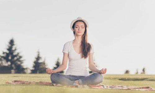 聴くコツは、相手の話を最後まで聴きながら、自分の呼吸に意識を持つこと