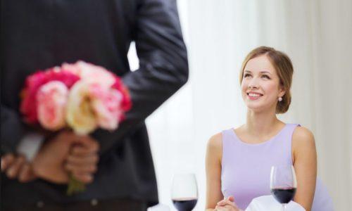 さげまん女性は「沈黙が怖く、上辺だけの会話になる」。あげまん女性は「沈黙を恐れず、相手の考える時間を大切にする」