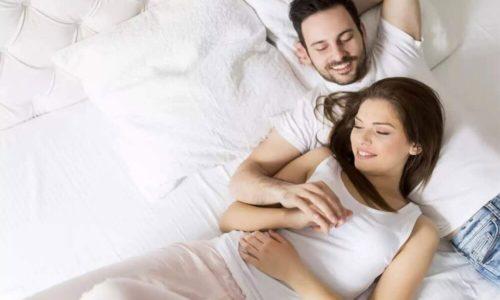 セックスレスを解消するには、自分と相手を受け入れ、思いやりを持つこと