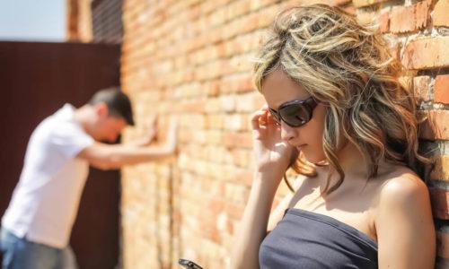 男性の「穴ごもり」の原因と対処方法を世界一わかりやすくシンプルに解説!