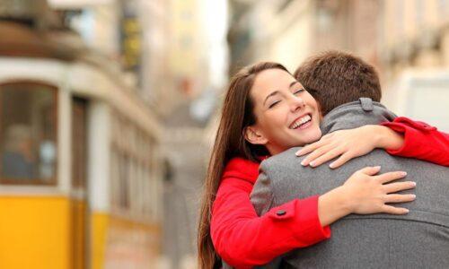 忙しい彼氏への甘え方!あのね、忙しい人ほど彼女に甘えてほしいんだよ。